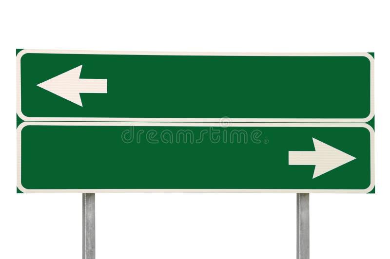 Vert de flèche du signe de route de carrefours deux d'isolement photos libres de droits