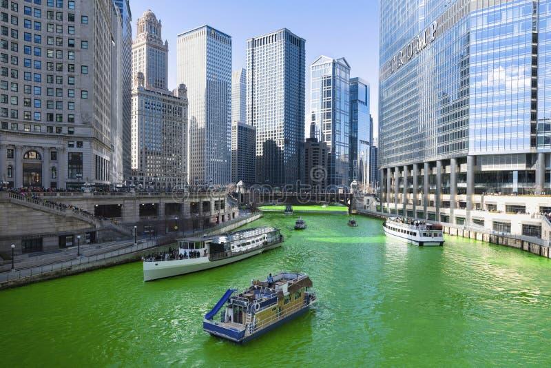 Vert de teinture de la rivière Chicago photographie stock