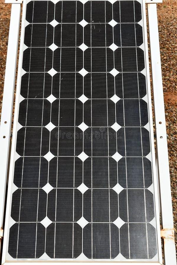Vert polycristallin de panneau solaire images stock