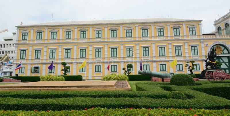 Verteidigungsministerium Gebäude in Bangkok stockfotos