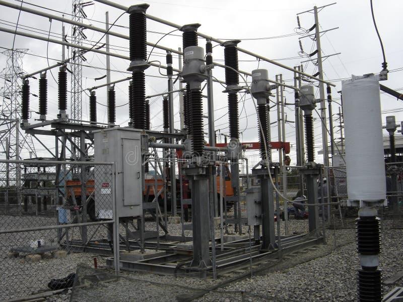 Verteilung von Hochspannungsnetzteilen für die Stromübertragungsleitung lizenzfreies stockfoto