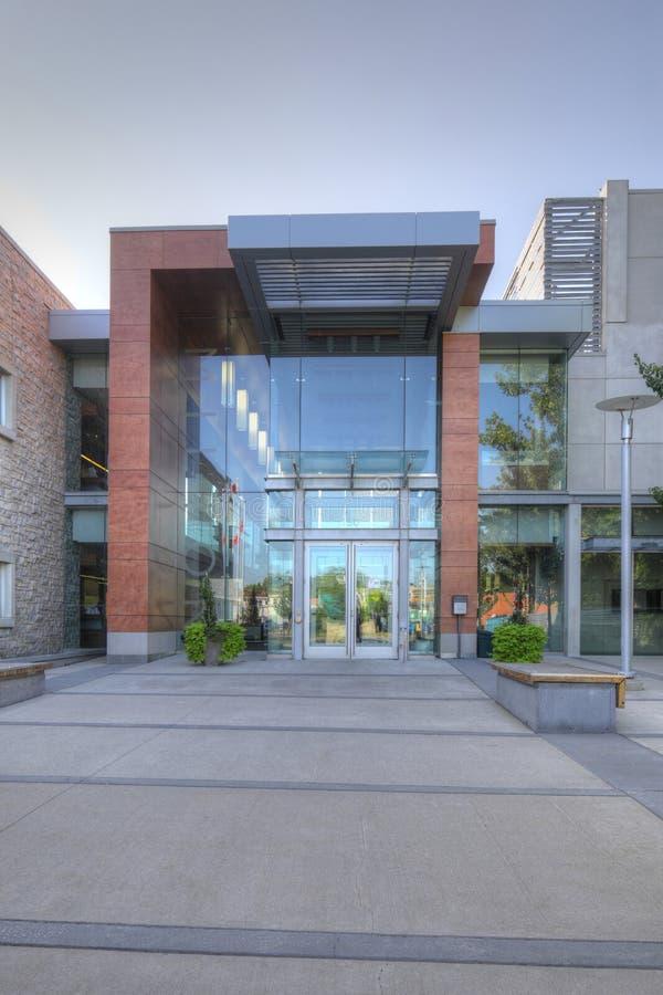 Verticaal van Stadhuis in Milton, Canada stock foto's