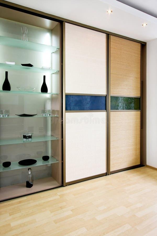 Vertical de bambu do Wardrobe fotografia de stock royalty free