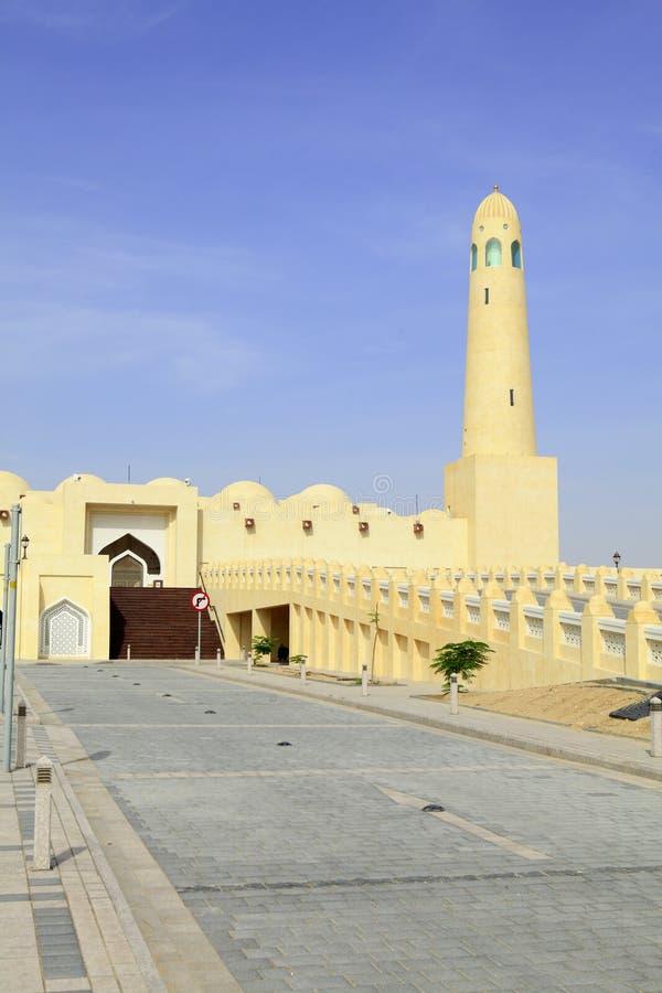 Vertical de la mezquita del estado de Qatar imagen de archivo