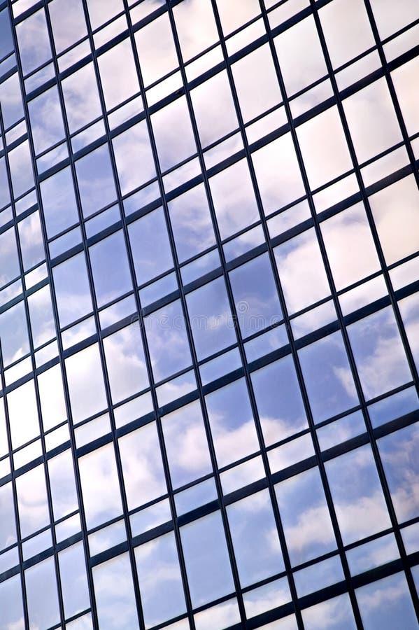 Vertical de la reflexión de la ventana imagen de archivo libre de regalías