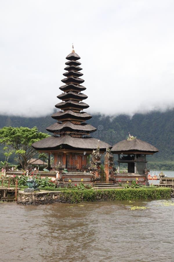 Vertical del templo del agua de Bali fotografía de archivo