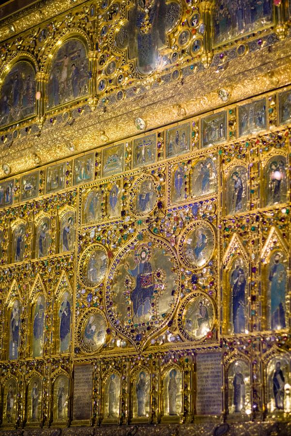 Vertical do d'Oro de Pala, tela de altar dourada dentro da basílica do ` s de St Mark imagens de stock royalty free