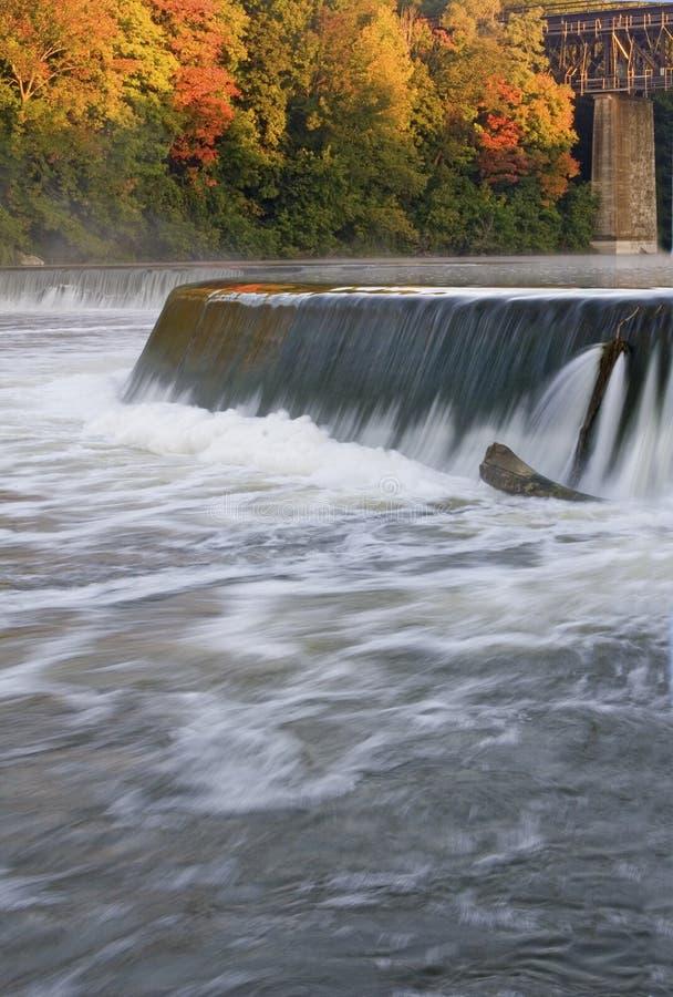 Vertical do rio grande, Paris, Canadá no outono fotos de stock royalty free