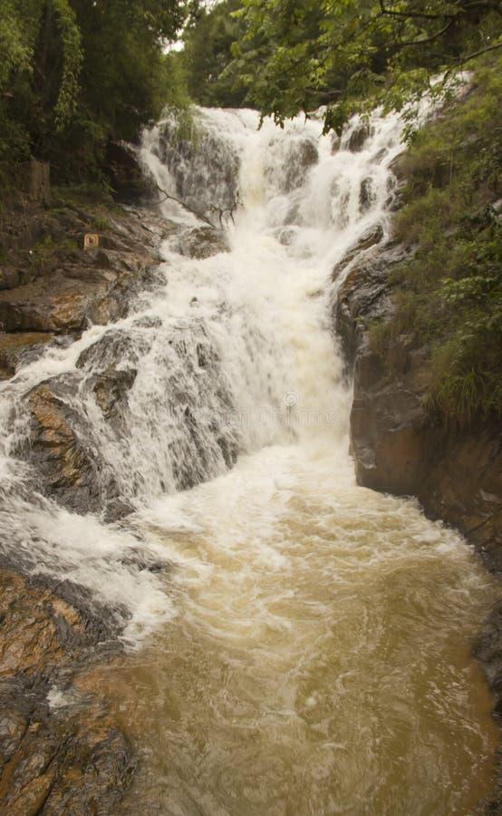 vertical f?r flod f?r panorama f?r berg f?r 3 hdrbilder fotografering för bildbyråer