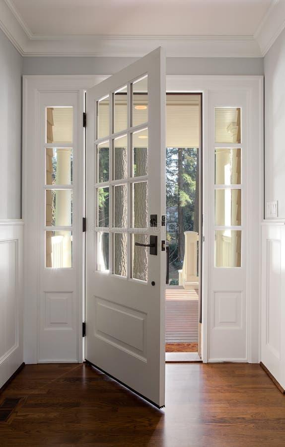 Free Vertical Shot Of An Open, Wooden Front Door Stock Photography - 39161872