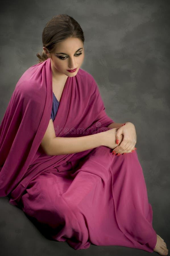 Verticale avec le costume traditionnel. Type indien photos stock