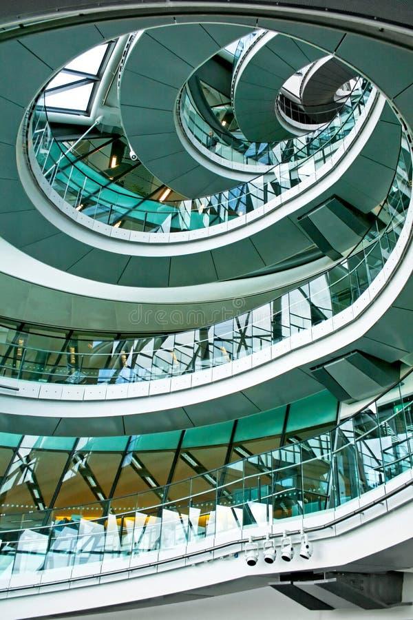 Verticale d'escalier images stock