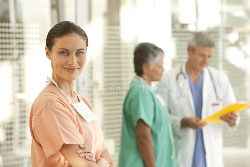 Verticale d'infirmière images libres de droits