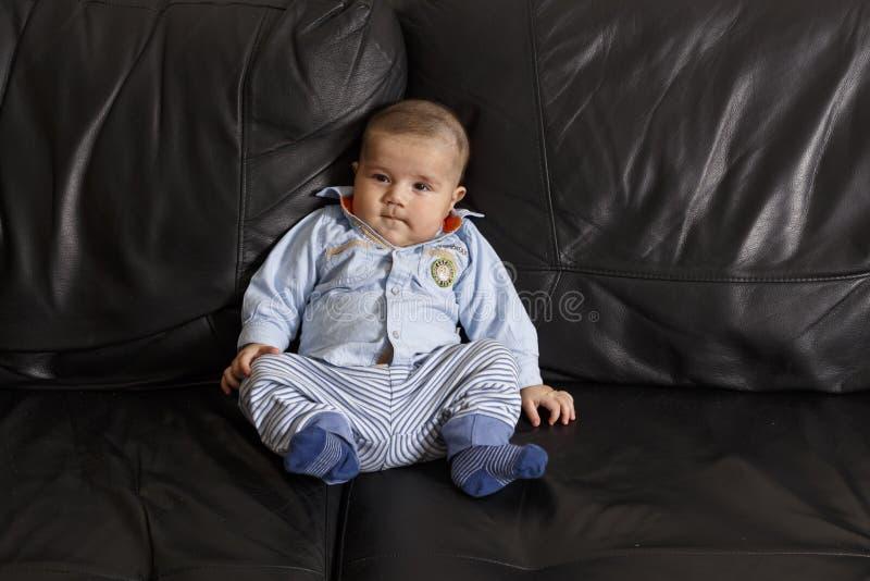 Verticale d'un bébé mignon photo libre de droits