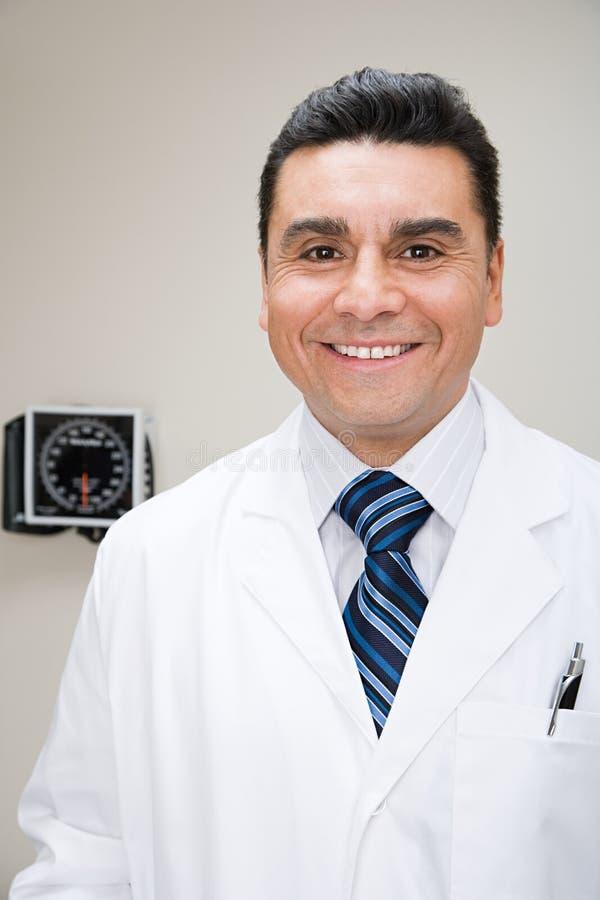 Verticale d'un docteur photos stock
