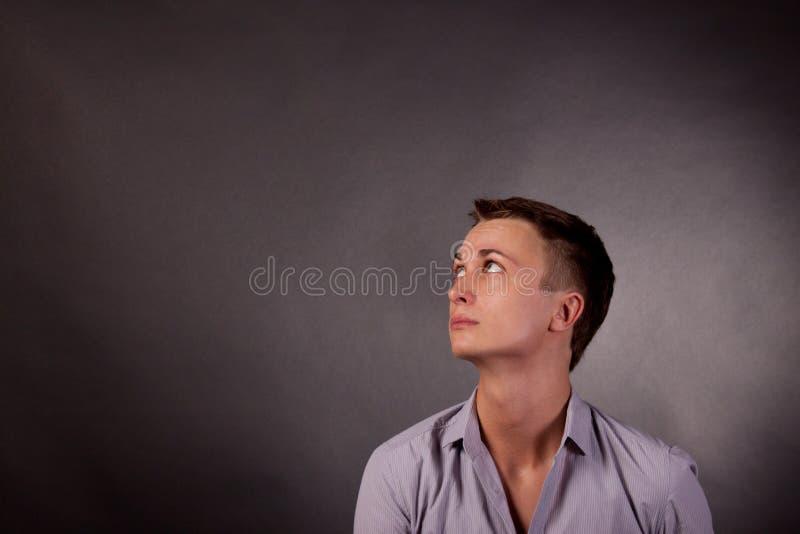 Verticale d'un homme. homosexuel photos libres de droits