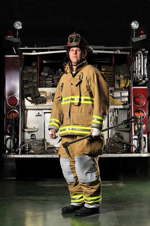 Verticale d'un pompier photos stock