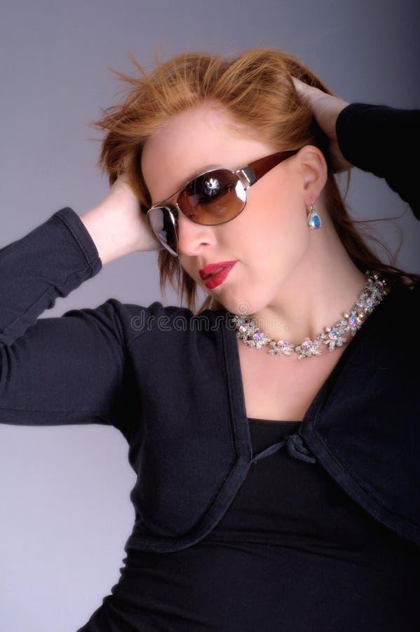 Verticale d'un rouge-cheveu photo stock