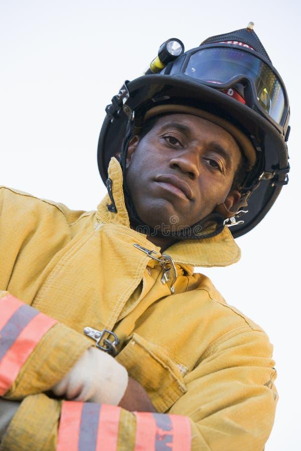 Verticale d'un sapeur-pompier image stock