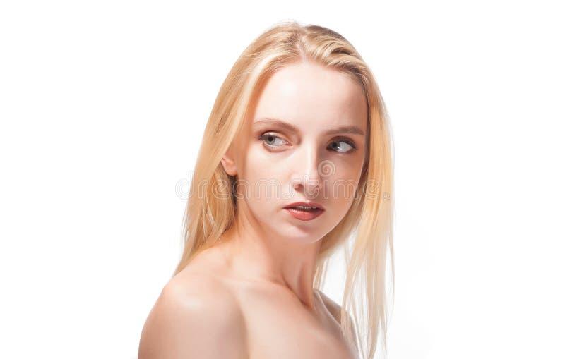 Verticale d'une belle blonde image libre de droits