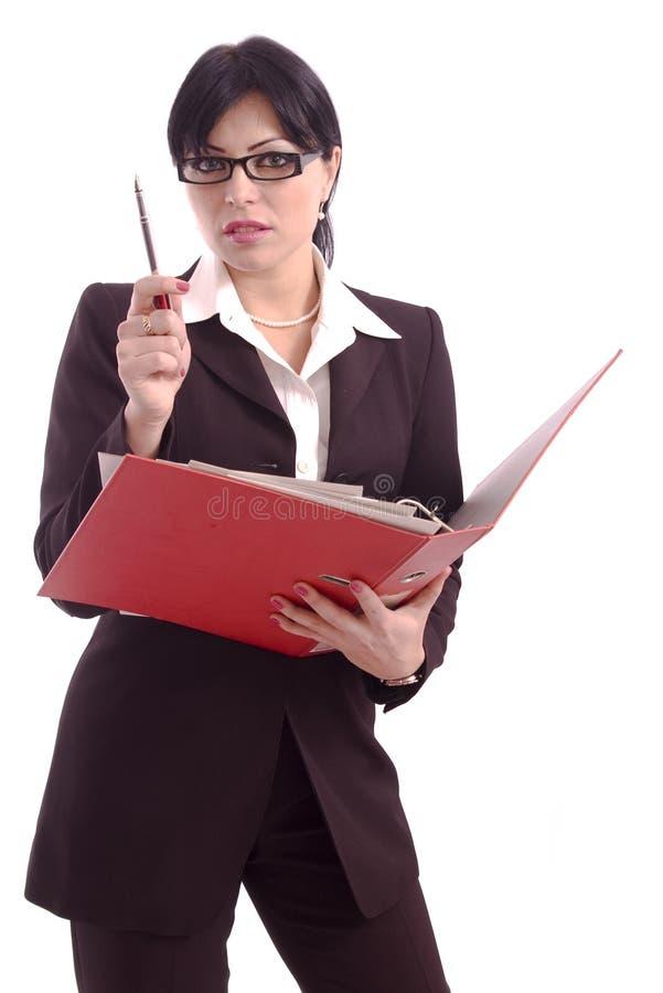 Verticale d'une femme d'affaires retenant un support de fichier photographie stock libre de droits
