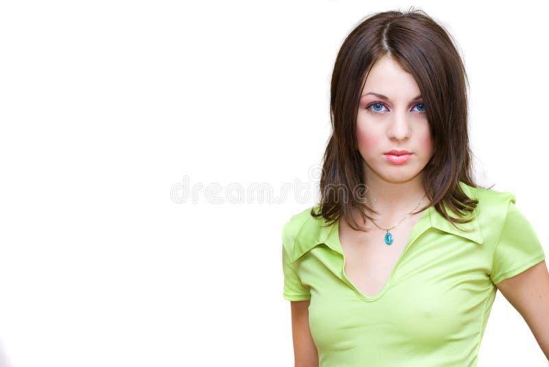 Verticale d'une jeune femme images stock