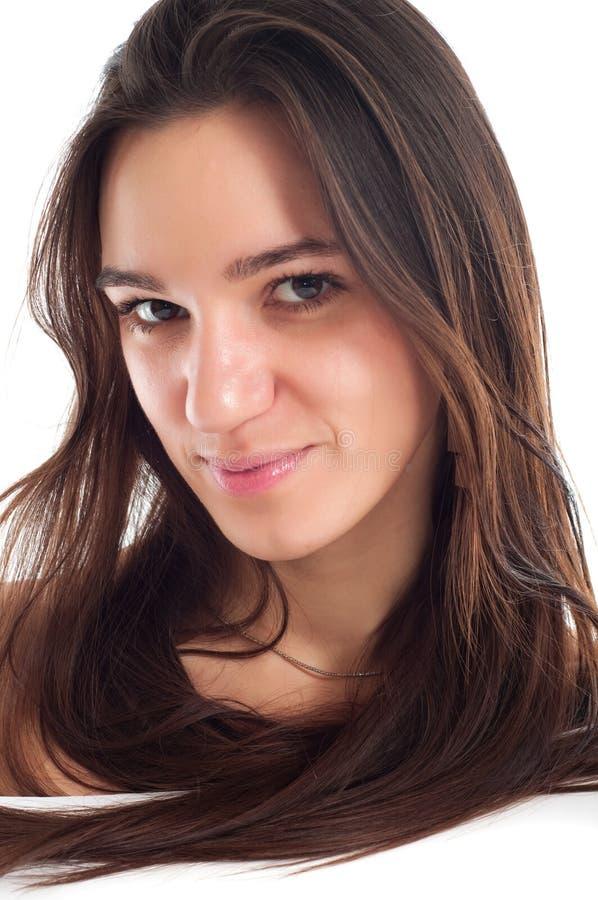 Verticale d'une jeune femme de joli brunet photos libres de droits