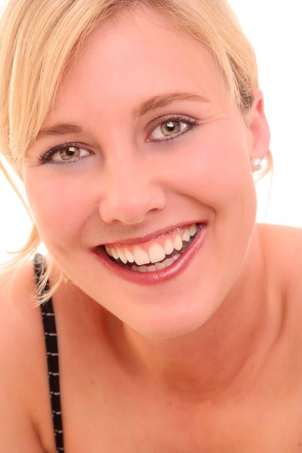 Verticale d'une jeune femme heureuse images libres de droits
