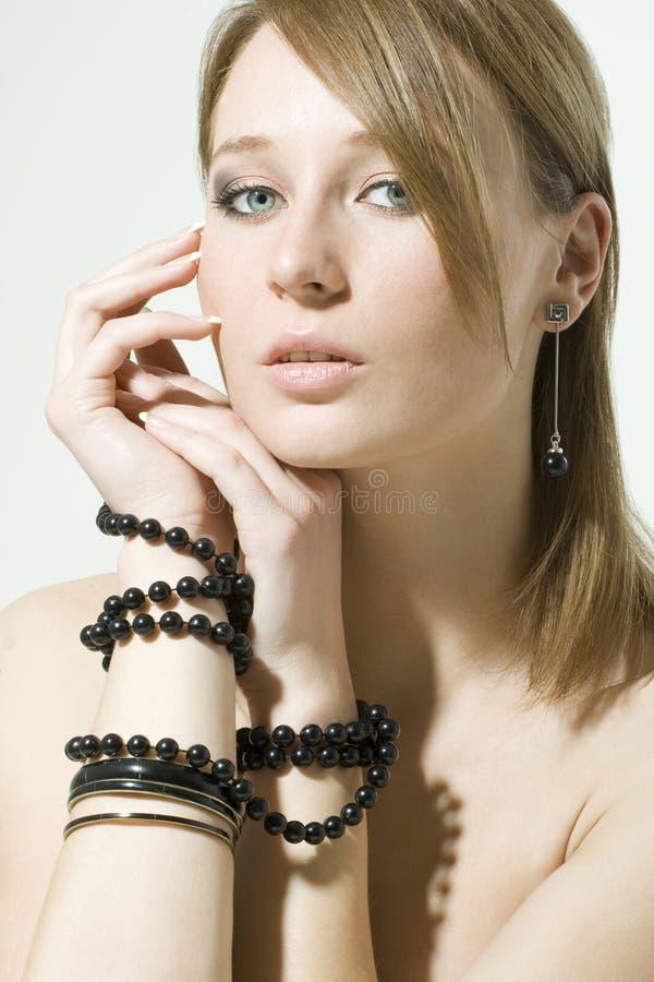 Verticale d'une jeune femme sexy images libres de droits