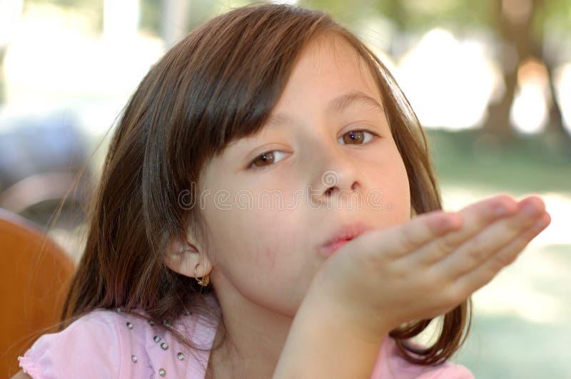 Verticale d'une jeune fille image stock