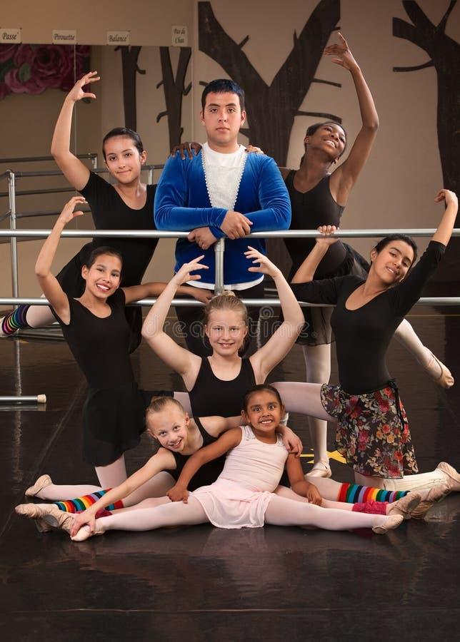 Verticale de classe de ballet photos libres de droits