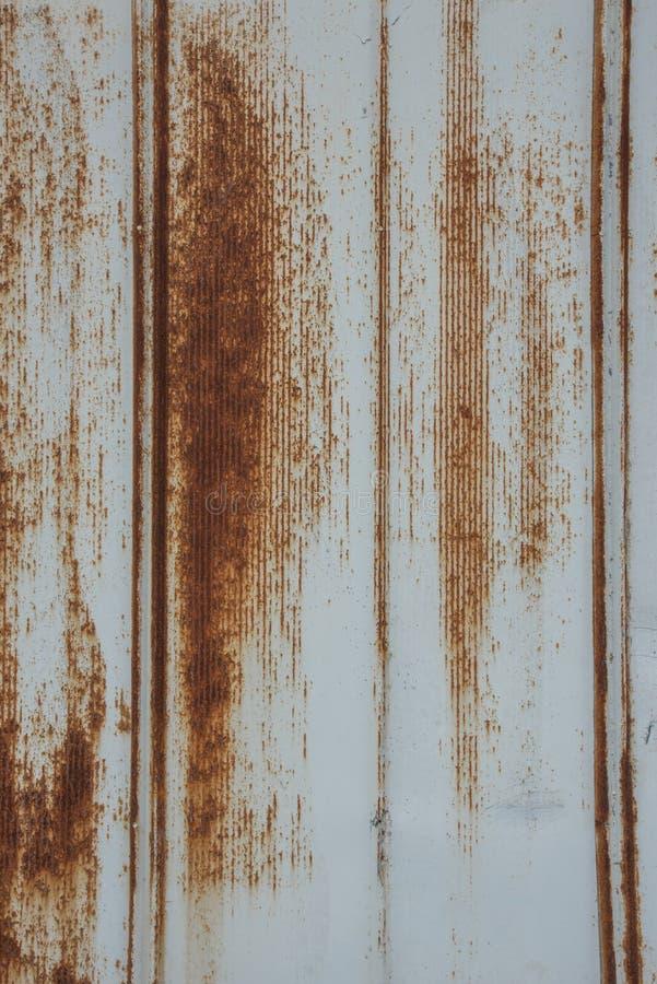Verticale de dégrossissage rouillée en métal photo libre de droits