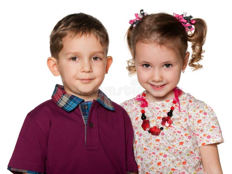 Verticale de deux enfants photos stock