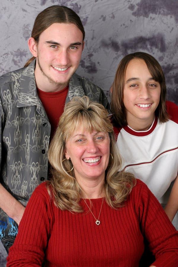 Verticale de famille de vacances photographie stock libre de droits