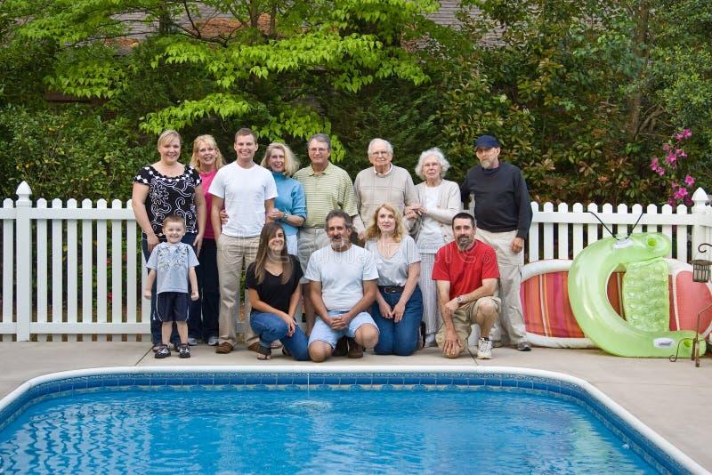 Verticale de famille nombreuse images libres de droits