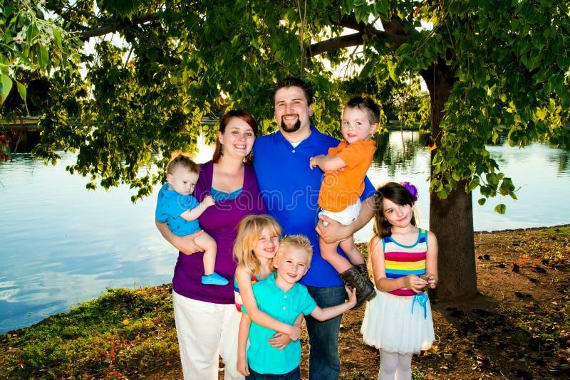 Verticale de famille nombreuse photos stock