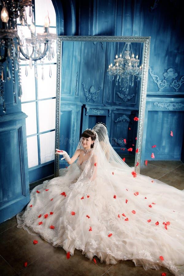 Verticale de femme de mariage photo stock