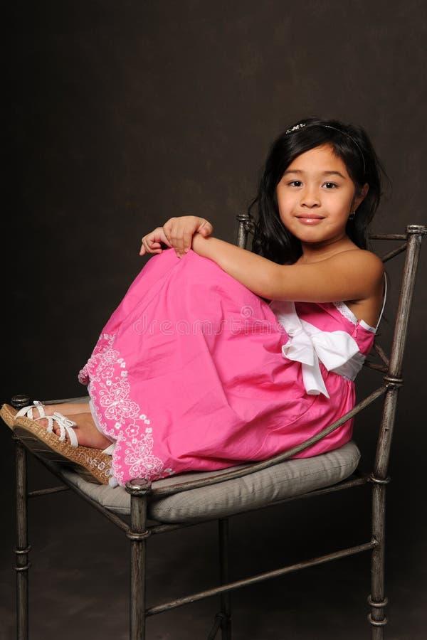 Verticale de fille asiatique images stock