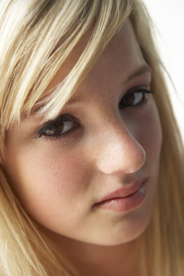 verticale de fille d'adolescent images stock