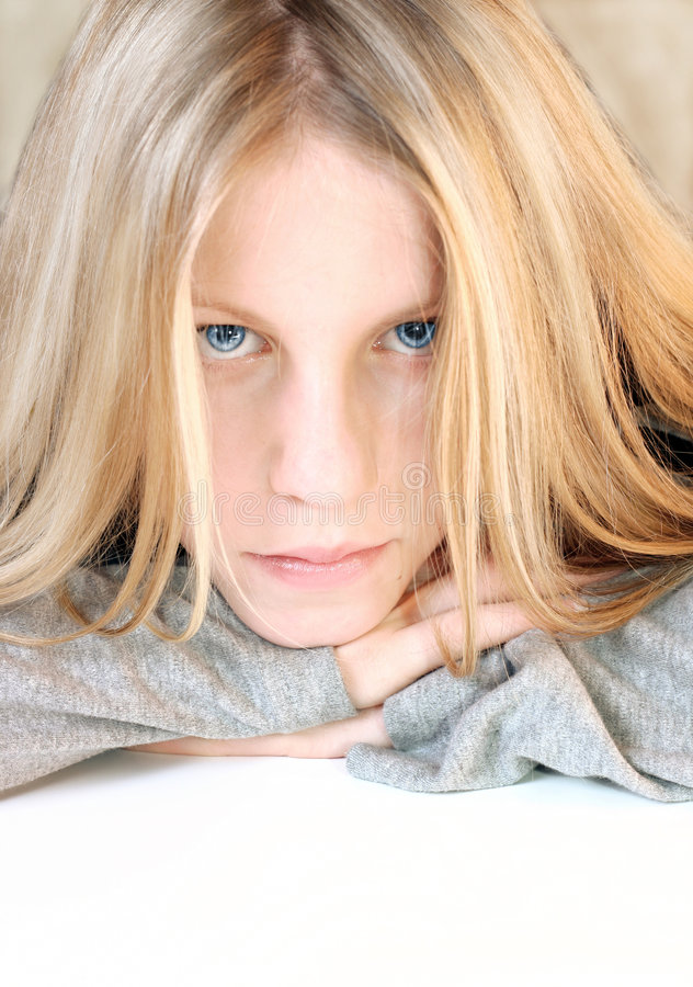 Verticale de fille de œil bleu photographie stock libre de droits