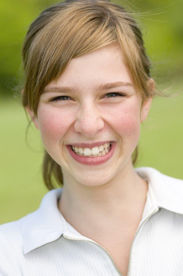 verticale de fille de beauté d'adolescent image libre de droits