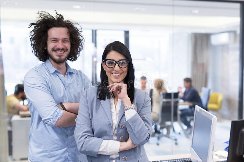 Verticale de gens d'affaires réussi photographie stock libre de droits