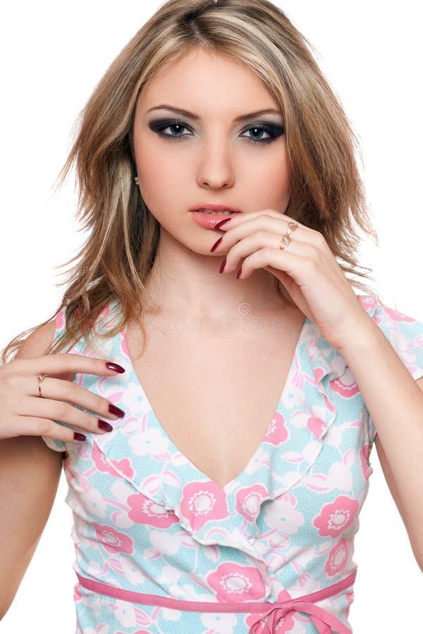 Verticale de jeune blonde parfaite. D'isolement photographie stock libre de droits
