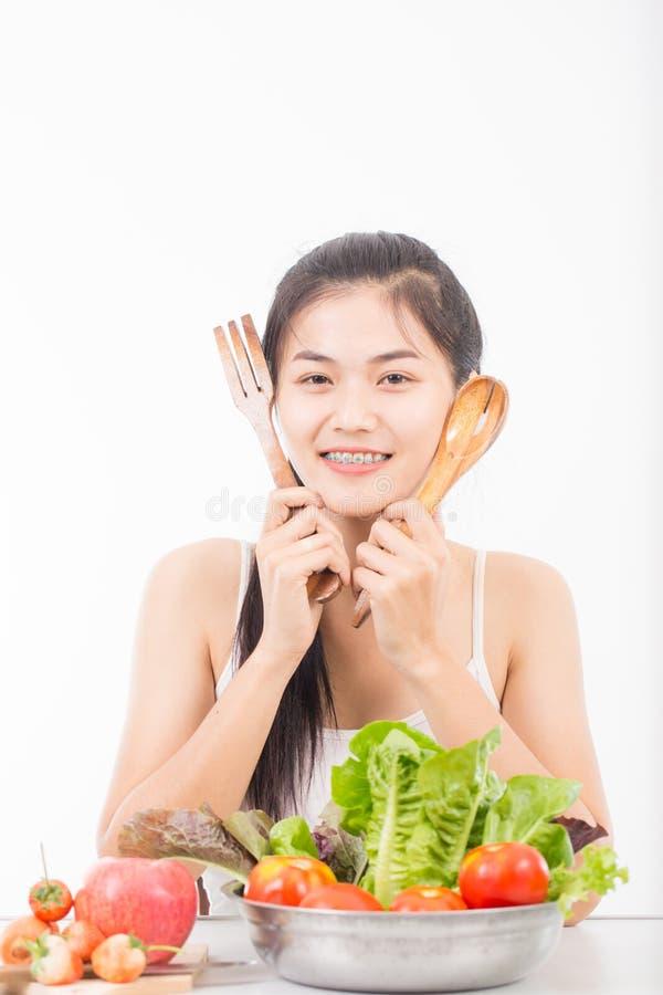Download Verticale De Jeune Femme Asiatique Photo stock - Image du people, végétarien: 87706006