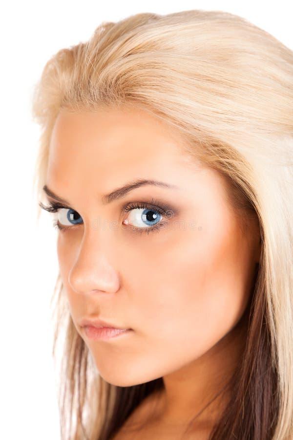 Verticale de jeune femme blonde photo libre de droits