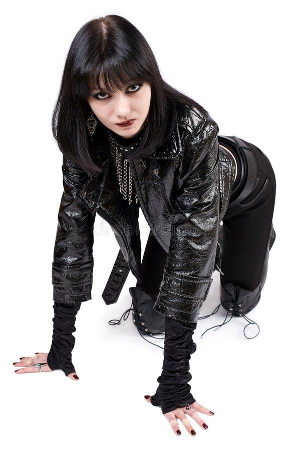 Verticale de jeune femme de goth images libres de droits