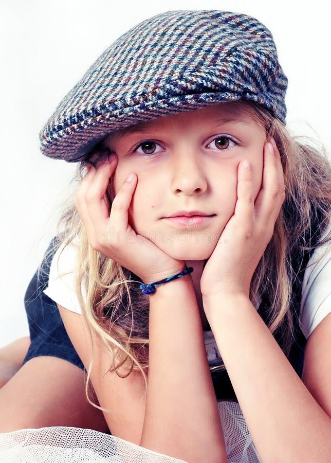 Verticale de jeune fille images libres de droits