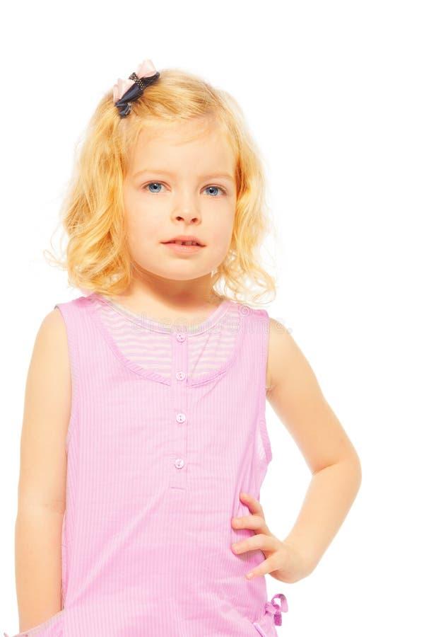 Verticale de jeune fille blonde images libres de droits