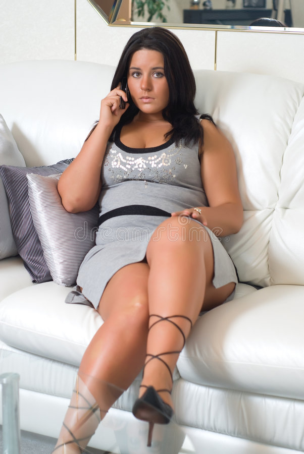 Verticale de jeune grande-breasted femme sexy images libres de droits