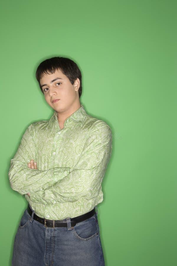 Verticale de l'adolescence caucasienne de garçon. photographie stock